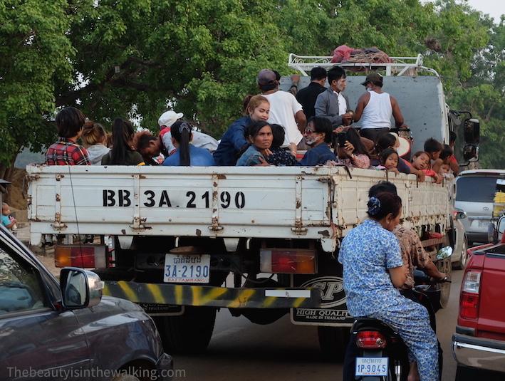 Retour Angkor camion.JPG