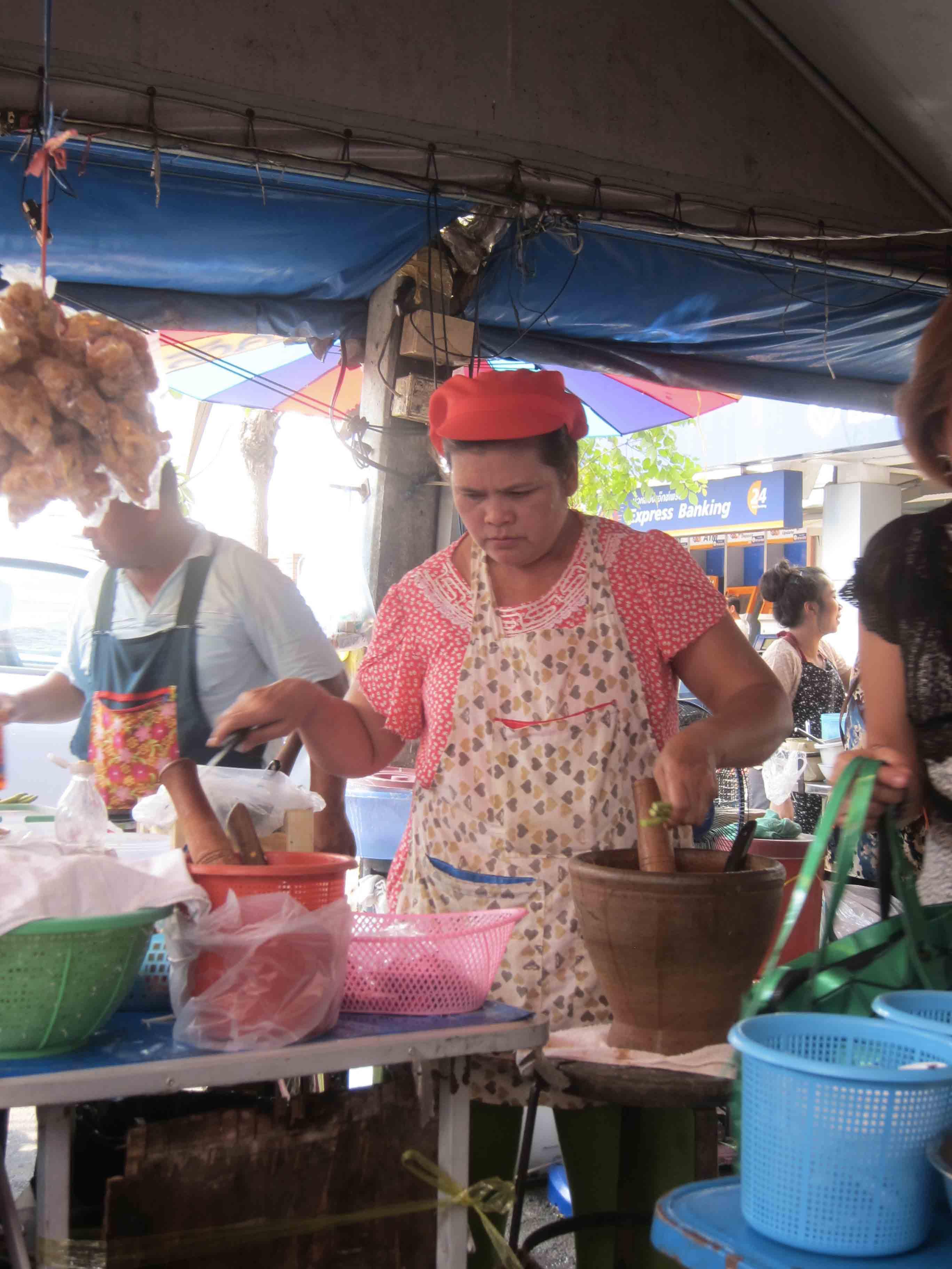Chatuchak-Mo-Chit-Marche-cuisine-thaie-Bangkok-Thailande.jpg