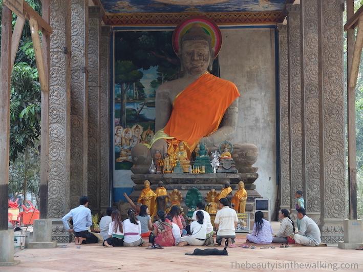 prière bouddha.JPG