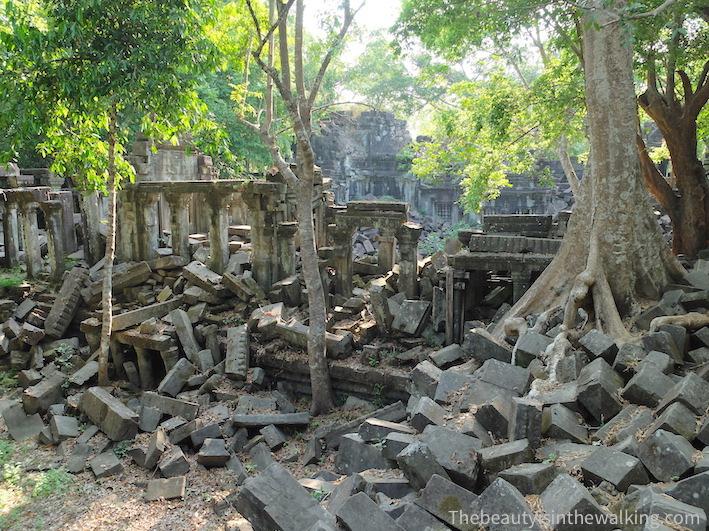 ruines Bang Mealea.JPG