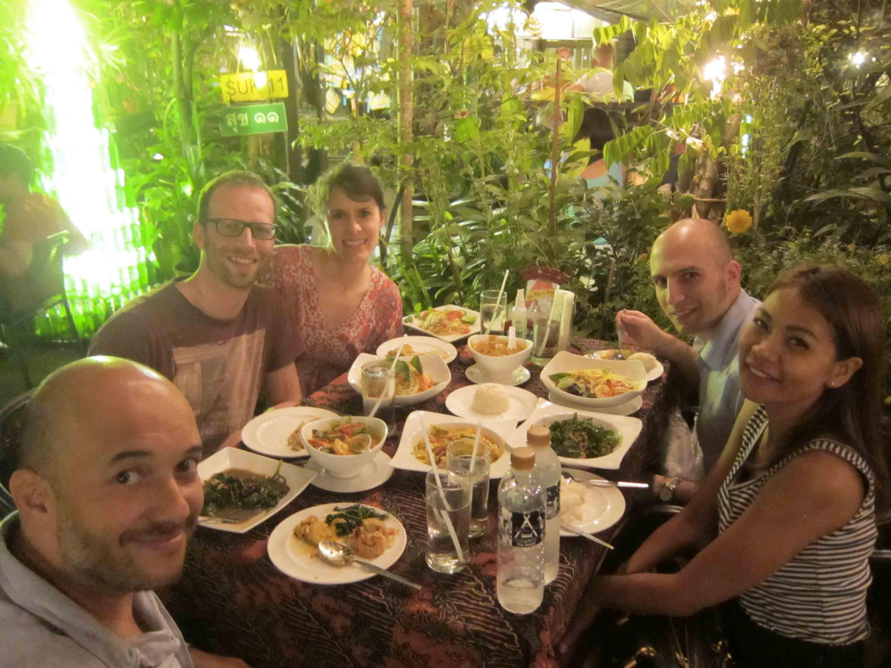 Diner-au-Suk11-avec-Andrea-Bangkok-Thailande.jpg