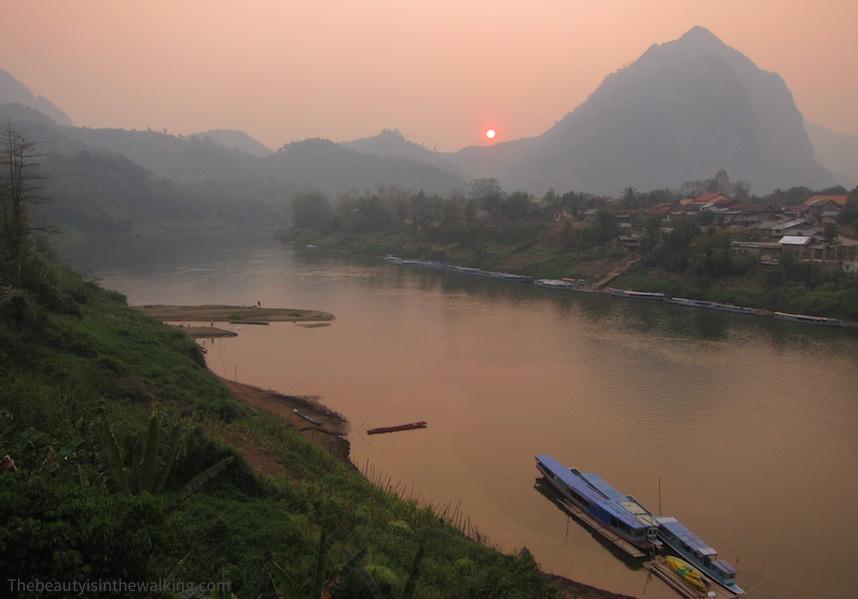 Nong Kiaew, Laos